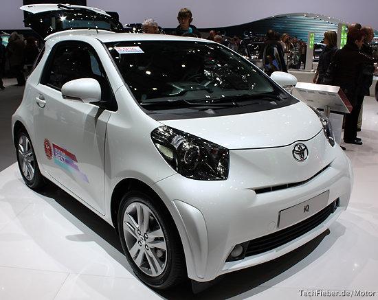 Toyota должна отозвать 13.000 IQ