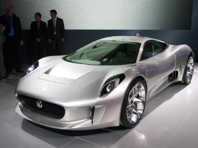Спортивные автомобили на выставке в Париже