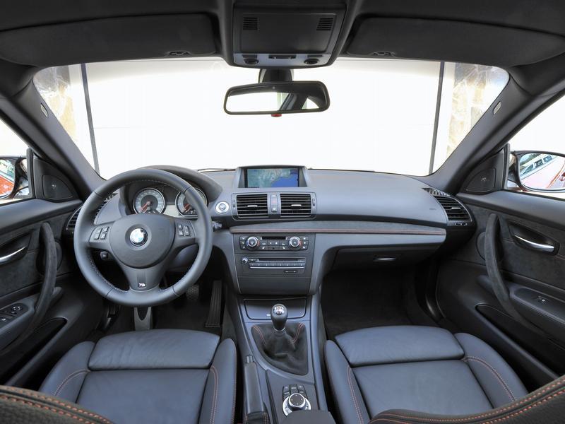 Новый BMW 1M Coupe: власть в изобилии