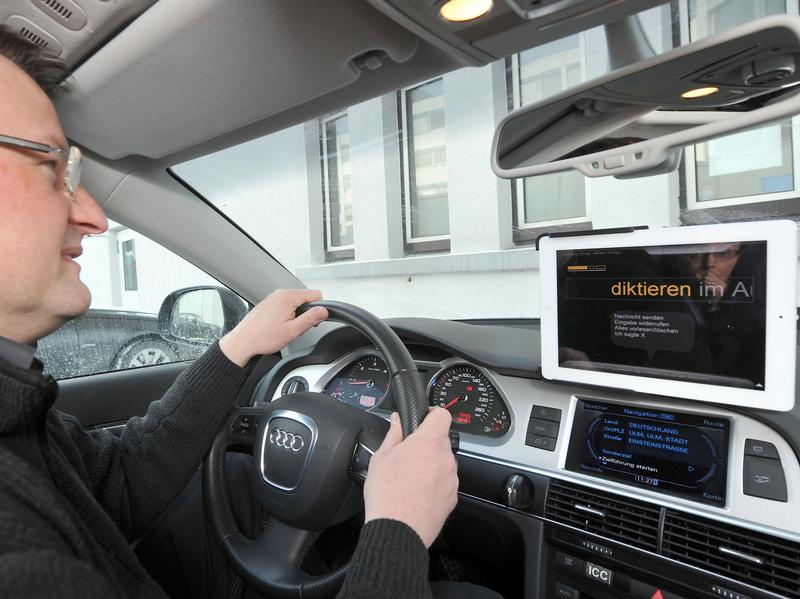 AutoMotorTech | Handy-Sprachsteuerung whrend Autofahrt gefhrlich - so Studie