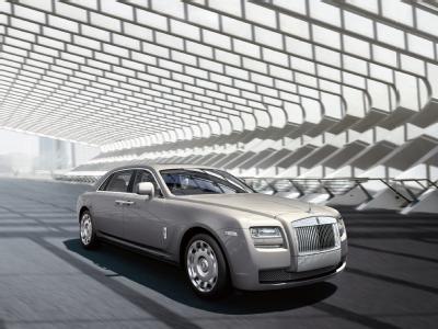 Rolls-Royce представляет растянутую версию Ghost