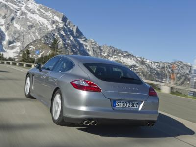 Porsche Panamera S Hybrid достигает рекордной скорости