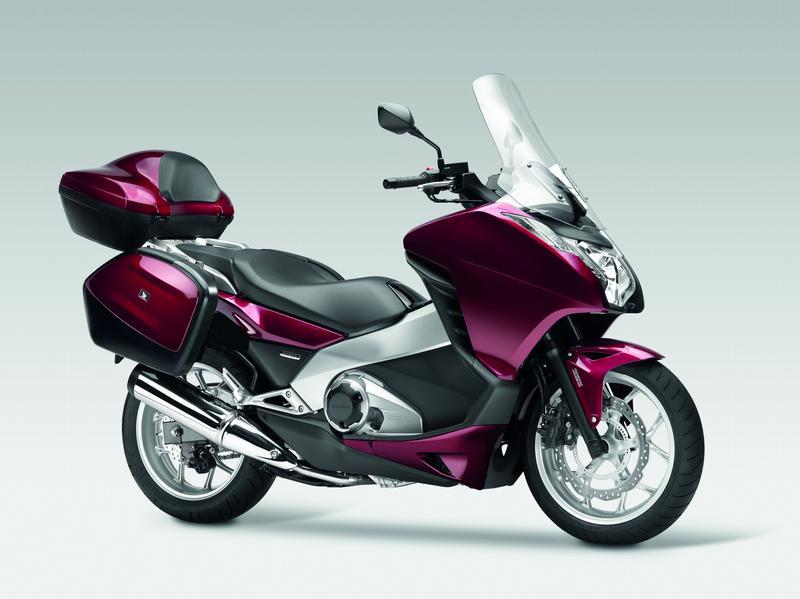 Honda Integra - скутер с качествами спортивного мотоцикла