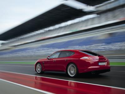 Спортивная версия Porsche Panamera GTS