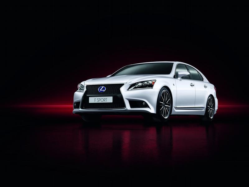 Lexus освежает свой модельный ряд