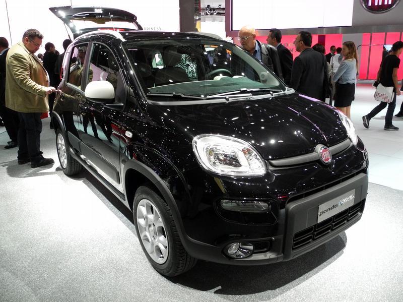 Эко-звезды на выставке в Париже - Fiat Panda