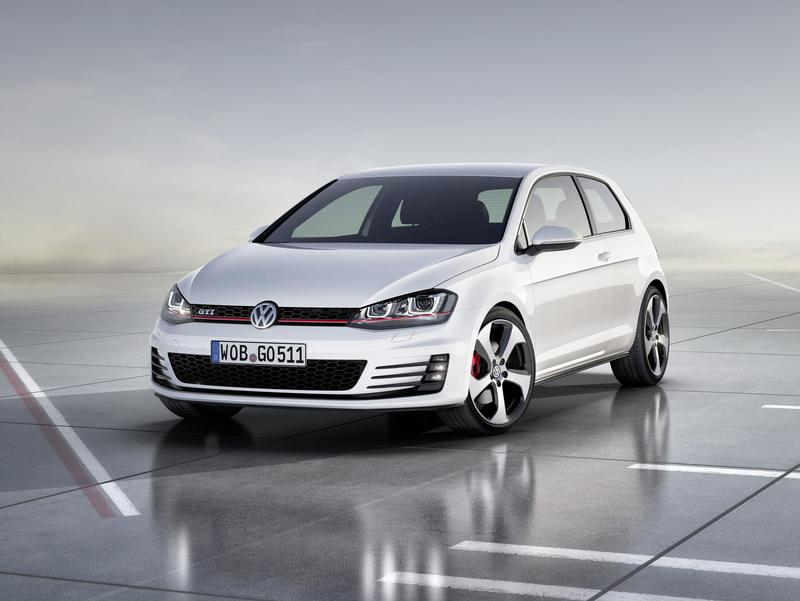 Volkswagen представил две модели Golf - спортивный GTI и экономный Blue Motion