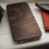 [Green Gadgets] Öko-Cover: Apple iPhone im Holz-Outfit