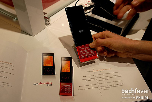 LG new chocolate BL20 smartphone hands-on