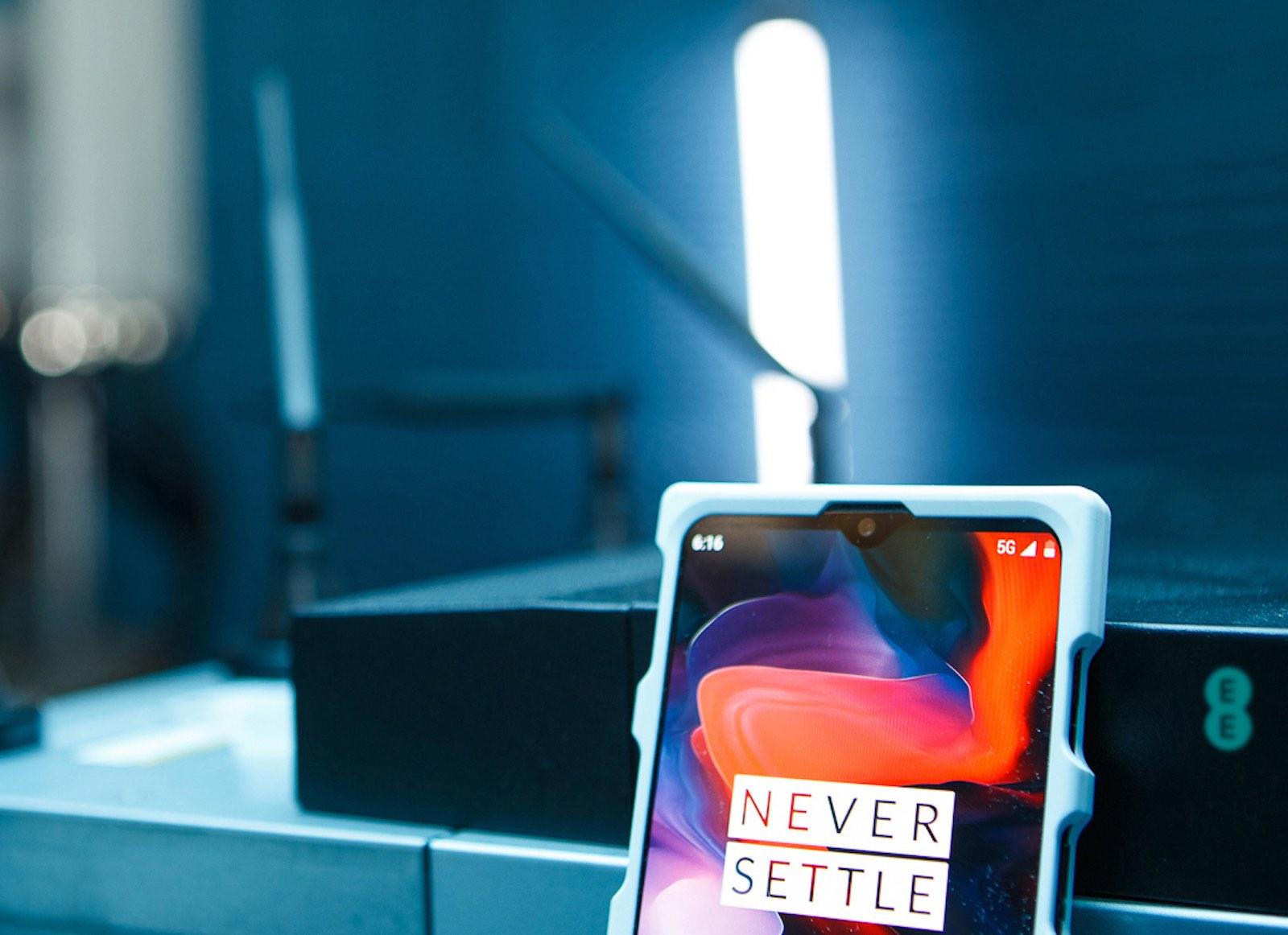 Neue OnePlus 5G-Smartphone Prototypen werden bei OnePlus gezeigt