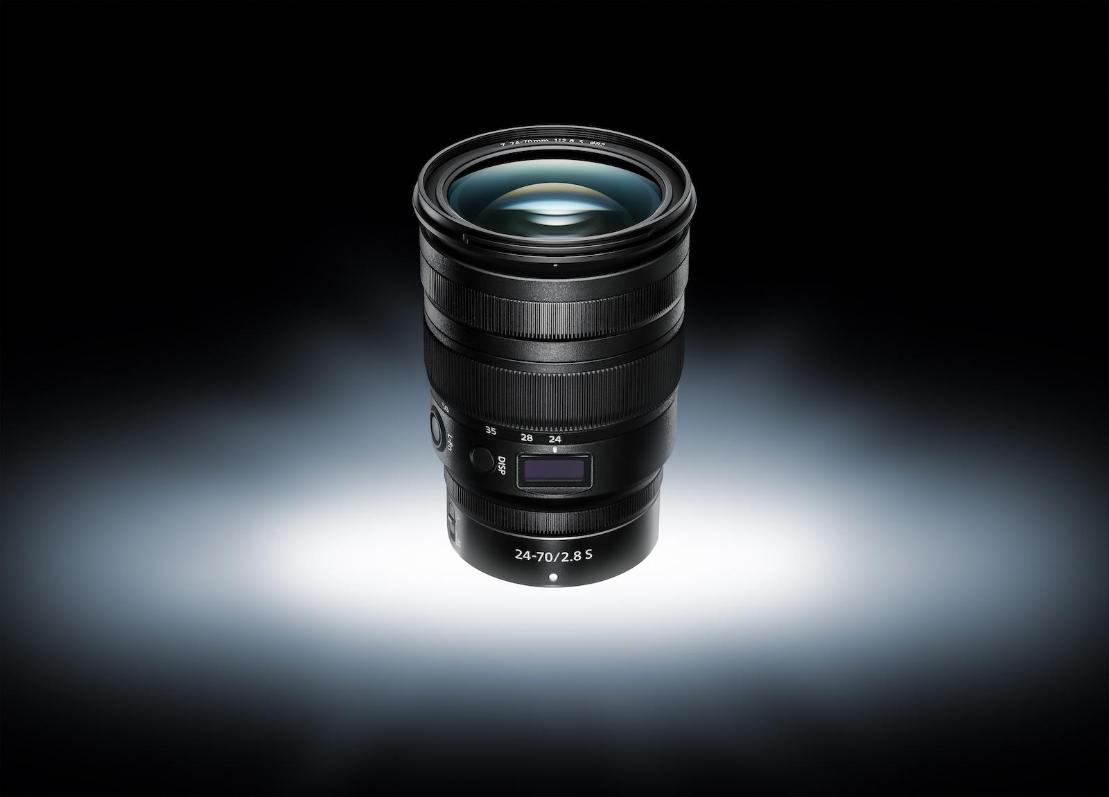 Neues Nikon Trinity Objektiv