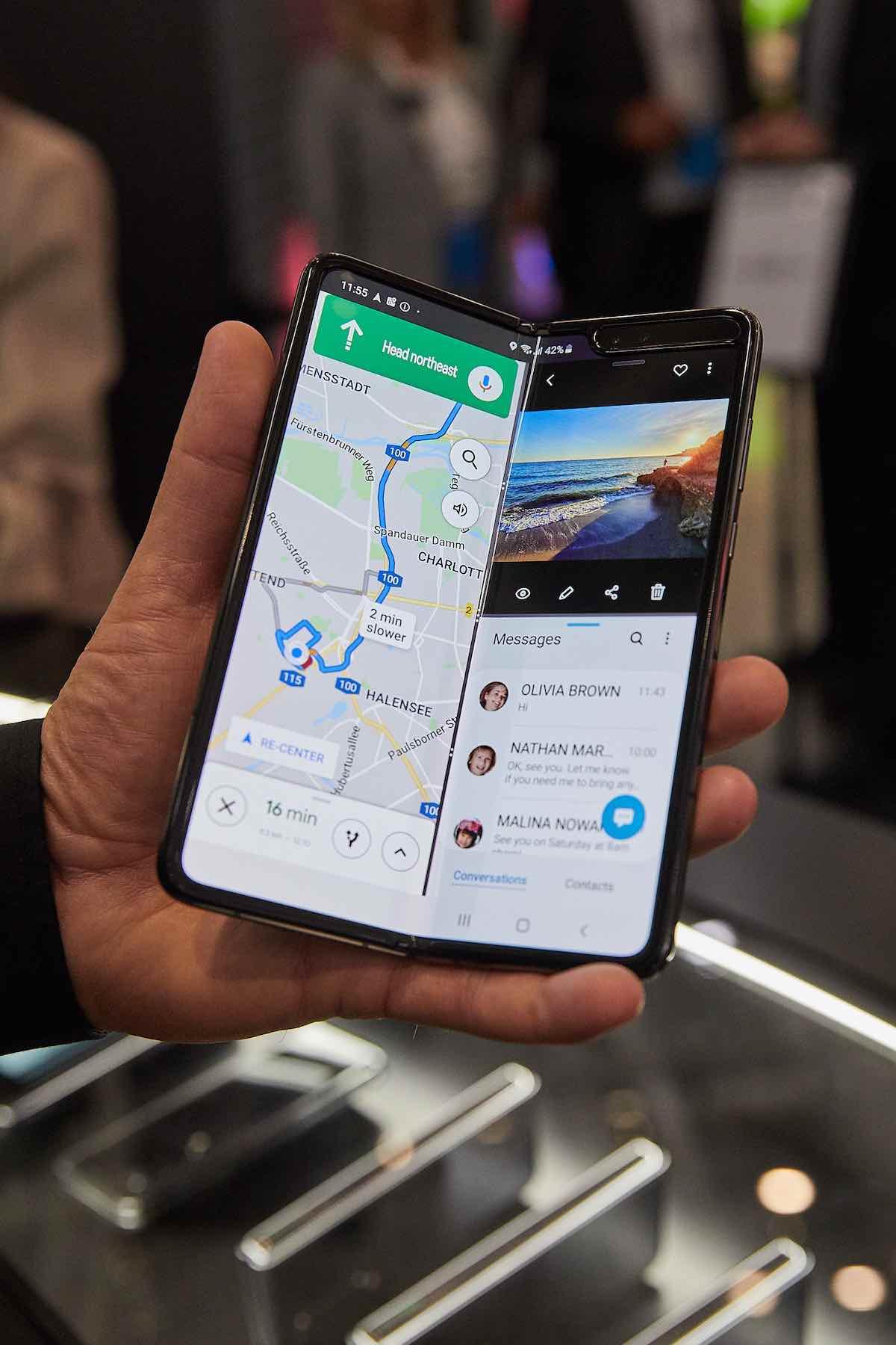 Samsung-Galaxy-Fold-5G-Samsung-faltet-das-Handy-zum-zweiten-Mal_072St